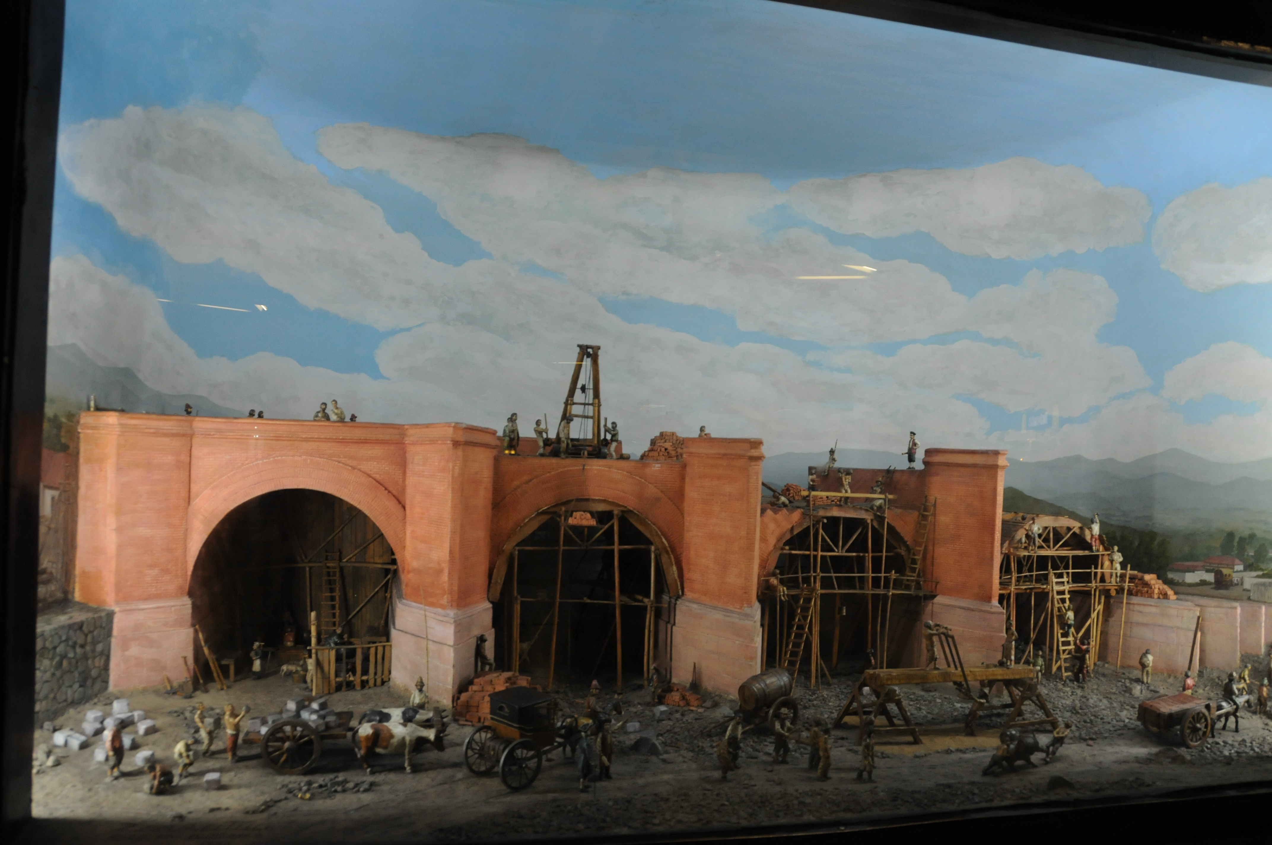What's pretty in the Santiago's metro. Dioramas, of course!